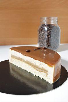 Entremets au café savoureux, léger et moderne - Recette Olivia Pâtisse Pastry Cake, Gelato, Tiramisu, Granite, Biscuits, Cheesecake, Food And Drink, Cooking, Sweet