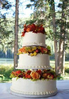 Stunning Autumn wedding cake.