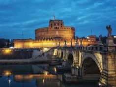 Castel Sant'Angelo was originally built between 134 and 139 AD to serve as a mausoleum for the Roman Emperor Hadrian and his family. It was later used by the popes as a fortress. #roadmance #rome #roma #italy #italia #discoveritaly #travel #beauty #art
