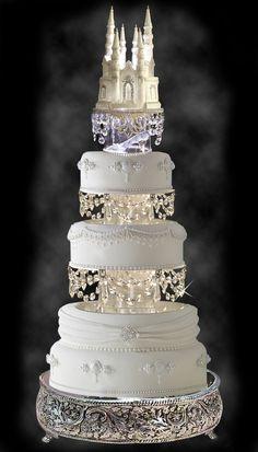 Gorgeous Wedding Cake with Swarovski Crystal Cinderella Castle Royal Wedding Cake Topper http://cakedecoratingideas-easytechniques.blogspot.com