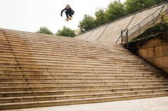 "Aaron ""Jaws"" Homoki Ollies the Famous Lyon 25 Stair Set"