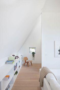 Decoración moderna y de líneas sencillas en esta casa de Vancouver