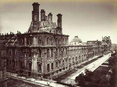 Le Palais des Tuileries en 1871 juste après l'incendie