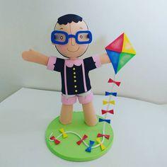 Olha que graça esse topo de bolo com óculos. Que charmoso! #mundobita  #bita #festamundobita  #topodebolo