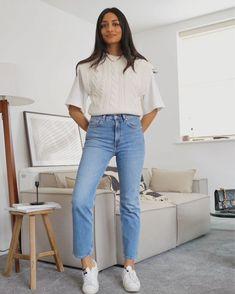 Stylish Girls Photos, Girl Photos, Simple Classic Style, Everyday Fashion, Spring Summer Fashion, Mom Jeans, Rib Knit, Wool Blend, Work Wear