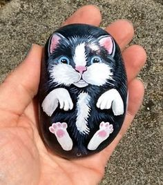 cat-hand-painted-rock-stone-pebble-no-collar-toy-scratching-post-or-kitten-bed