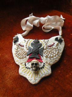 Skull statement necklace -