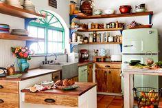 Ambiance conviviale et chaleureuse avec cette belle cuisine vintage campagnarde