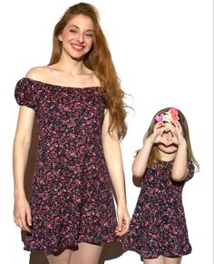 Ropa madre e hija a conjunto, con vestido de flores de mamá y niña #minime #iguales #twins #vestidos #bardot #flores #vestidofloral #madreehija #mamayniña #momlife Mini Me, Anastasia, Kids Fashion, Casual, Outfits, Frases, Mom Clothes, Cotton Dresses, Summer Dresses
