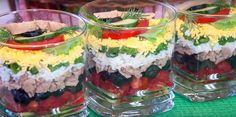 Салат-коктейль всегда выигрышно смотрится на праздничном столе. Поэтому решила поделиться с вами рецептом оригинального салатика с печенью трески без майонеза. Получается он легким, нежным и очень сочным. Top Salad Recipe, Salad Recipes, Tasty, Yummy Food, Russian Recipes, Street Food, Summer Recipes, Finger Foods, Food Inspiration