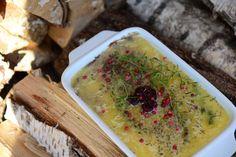 Vjednoduchosti je krása. Ani při přípravě domácích paštik nehledejte nijak zvlášť složité recepty. My jsme vyzkoušeli několik receptů a vyhrává ten, který vám přinášíme právě dnes. Příprava paštiky je jednoduchá … Palak Paneer, Hummus, Food And Drink, Ethnic Recipes