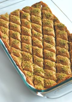 This recipe ticks all the criteria of a good baklava: crackly top, sweetened nut filling, and a chewy bottom with just the right amount of sugar syrup. Lebanese Desserts, Lebanese Recipes, Turkish Recipes, Lebanese Baklava Recipe, Pistachio Baklava Recipe, Syrian Recipes, Greek Recipes, Comida Armenia, Sweets Recipes