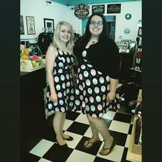 We have twinsies in the shop! Jenn & Andrea look great in their Paris Cats Mon Amie Dress. Can I just say we really LOVE our customers?! Still available on catslikeus.com in Medium, Large & XL. #catslikeus #catslikeusstyle #weloveourcustomers #twinsies #catdress #folterclothing #retrolicious @retroliciousbrand