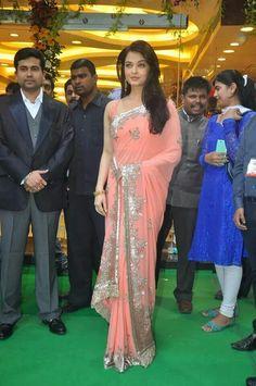 Aishwariya in Manish Malhotra saree