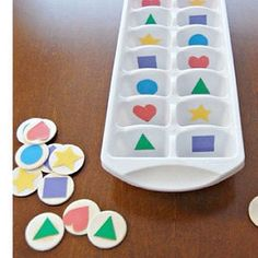 """22 Genius homemade toys and activities to keep your kids busy . 22 Genius homemade toys and activities to keep your kids busy """"width ="""" 564 """"height ="""" 564 """"class ="""" alignnone size-full """"title . Sorting Activities, Montessori Activities, Infant Activities, Preschool Activities, Maria Montessori, Preschool Shapes, Montessori Toddler, Learning Activities For Toddlers, Sorting Games"""
