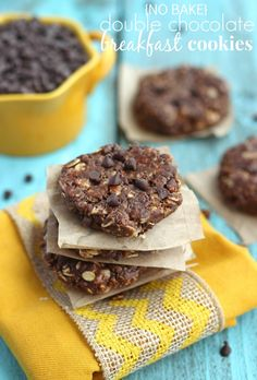 (No Bake) Double Chocolate Breakfast Cookies - Oooo, this is a breakfast to get excited about!