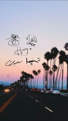 Firmas. 0ne Direction, One Direction Lockscreen, One Direction Memes, One Direction Harry Styles, One Direction Wallpaper Iphone, One Direction Background, One Direction Lyrics, One Direction Perfume, Larry Stylinson