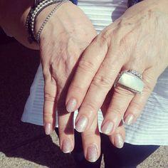 Nuovo sopolish #underwaterlove di #pronailsitalia ... per la tua estate  #nails #shine #glitter #beautynails #summercolors #lovely by robertacacciola