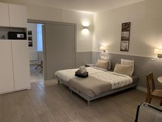 Offering city views, Bastille Opéra is a property located in Paris, miles from Notre Dame and an walk from Opéra Bastille. Bastille, Luxembourg Gardens, Paris France, Separate, Microwave, Dishwasher, Flat Screen, Beautiful Places