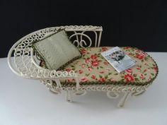 Tuinbankje/gardenbench from metal made by Jolanda Knoop