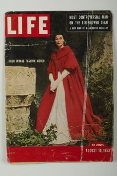 Model Anne Gunning in a full-length red Kinsale cape and white crochet evening dress. Cover of Life magazine in August 1953 under the heading 'Irish invade fashion world' - Photographer Richard Dormer Life Magazine, Irish Fashion, Irish Design, Life Cover, Vintage Magazines, Vintage Looks, Vintage Fashion, Fashion Outfits, Fashion Models