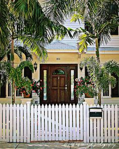 i love key west style homes.