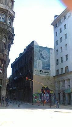publicidad antigua en una medianera
