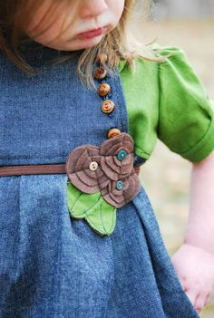 Shwin: Felted flower belt