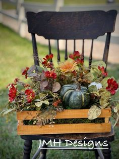 Harvest Day, Porch Decorating, Decorating Ideas, Craft Ideas, Autumn Crafts, Fall Projects, Happy Fall Y'all, Autumn Wreaths, Fall Halloween