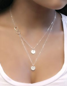 Mehrschichtige unendlich und Initialen Halskette von potionumber9
