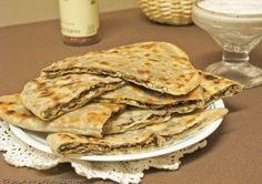 Ginger & Garlic: Middle eastern stuffed lentil zatar bread with a cool yogurt dip and a book ravings!