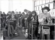Best – Aan het einde van de 19e eeuw werd in het plaatsje Zlin in Tsjechië de grondslag gelegd voor wat ooit de grootste schoenenfabriek ter...Klik op de afbeelding!