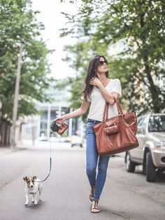 MERIKH Leashbag / Multifunctionalbag & Shopper in leather.  #MERIKHbags #petbags #leatherbags #jackrussel