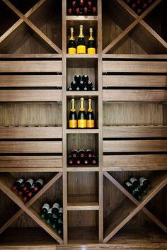 50+ идей мебели цвета орех в интерьере: стиль и изысканность http://happymodern.ru/mebel-cveta-orekh-v-interere/ Винный погреб из американского ореха