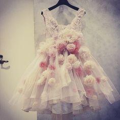 古いドレスが大変身!リメイクドレス専門店『ベルーガ』がおしゃれで大注目*にて紹介している画像
