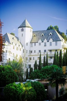 Chateau Marmont, Anthony Bourdain's #1 favorite Hotel above all others!!
