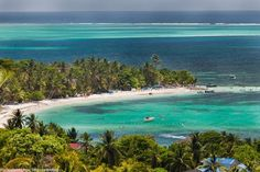 Cocoplum Beach in San Andres Island, Colombia