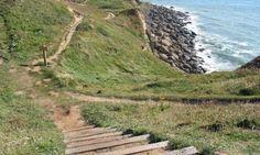 Servitude de passage piétons sur le littoral : pas d'atteinte au principe d'égalité ! – URBANISME AMENAGEMENT ENVIRONNEMENT