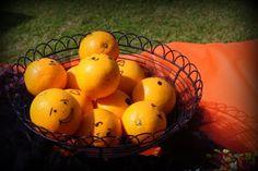 Cutie oranges.  Yum.