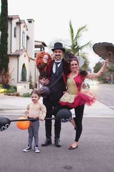 """50 Couples Halloween Costume Ideas - dress up with an adorable couples costume for you and your """"boo!"""" So many his and her Couples Halloween Costumes! Circus Family Costume, Circus Halloween Costumes, Couples Halloween, Fete Halloween, Family Halloween Costumes, Halloween 2018, Halloween Kids, Couple Costumes, Family Costumes For 4"""