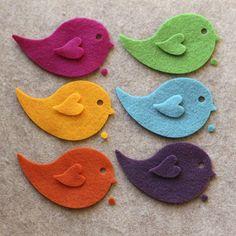 cute felt birdies by aftr Fuzzy Felt, Wool Felt, Easy Arts And Crafts, Diy Crafts For Kids, Mini Malteser, Animal Templates, Felt Stories, Barrettes, Bird On Branch
