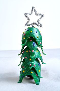 Egg Carton Christmas Tree Craft...use spinner for spin art trees. great for kids crafts