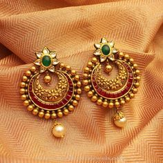 How To Gold Earrings gold antique kundan earrings designs, gold antique rrxluqq - Jewelry Amor Gold Jhumka Earrings, Indian Jewelry Earrings, Jewelry Design Earrings, Gold Earrings Designs, Antique Earrings, Jhumka Designs, Fancy Earrings, India Jewelry, Hoop Earrings