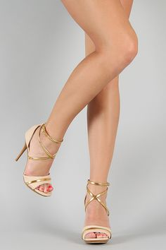 Shoe Republic Udell Strappy Open Toe Sandal in nude #UrbanOG #Contest #SummerSaleFavorites