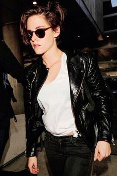 Kristen Stewart Photos - Kristen Stewart at LAX - Zimbio Moto Jacket, Leather Jacket, Feminine Tomboy, International Film Festival, Kristen Stewart, Style Icons, Black And White, Denim, People