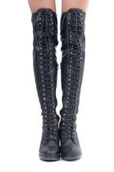 Kathryn Amberleigh Seattle Knee High Combat Boots So comfy sexy. You can dress it down or be very casual -- I hope these fuckers have zippers because those are some HIGH BOOTS and could you IMAGINE lacing all that up? Thigh High Combat Boots, High Heel Boots, Heeled Boots, High Heels, Knee Boots, Crazy Shoes, Me Too Shoes, Botas Sexy, Grunge Goth