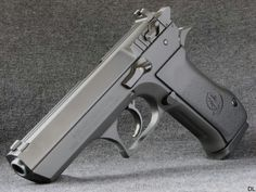 Baby Desert Eagle,looks like the one i used to own.Love to get another one.GREAT GUN!!!