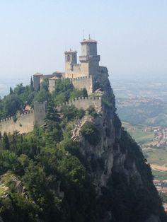 ,Ristorante di pesce Domagnano San Marino . Cucina della tradizione Mediterranea fresca e colorata con profumi di erbe nostrane e del pesce Azzurro .