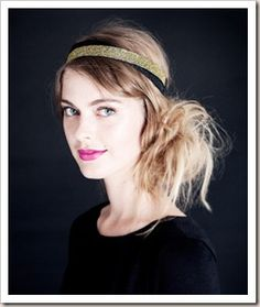 Messy fun side bun with hair band - cool look for a rustic chic bride