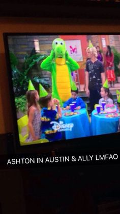 my cousin was watching austin and ally and i found ashton xD
